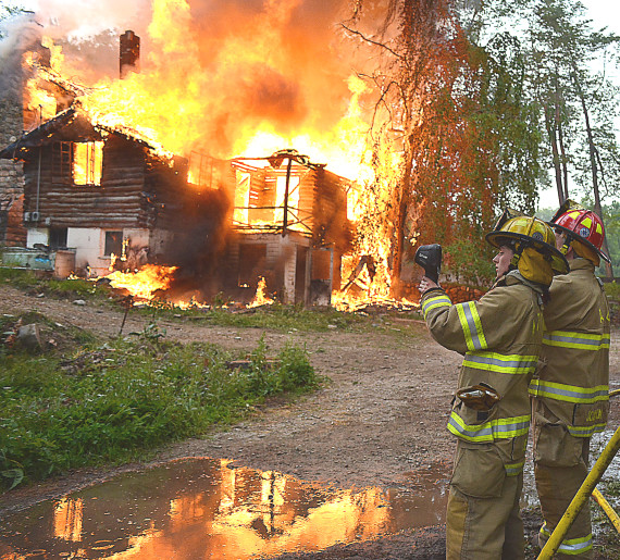Burn, baby, burn! Firefighters train on old home