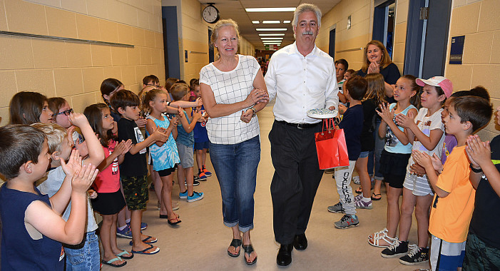 Beloved Clear Lake teacher retires after 30 years