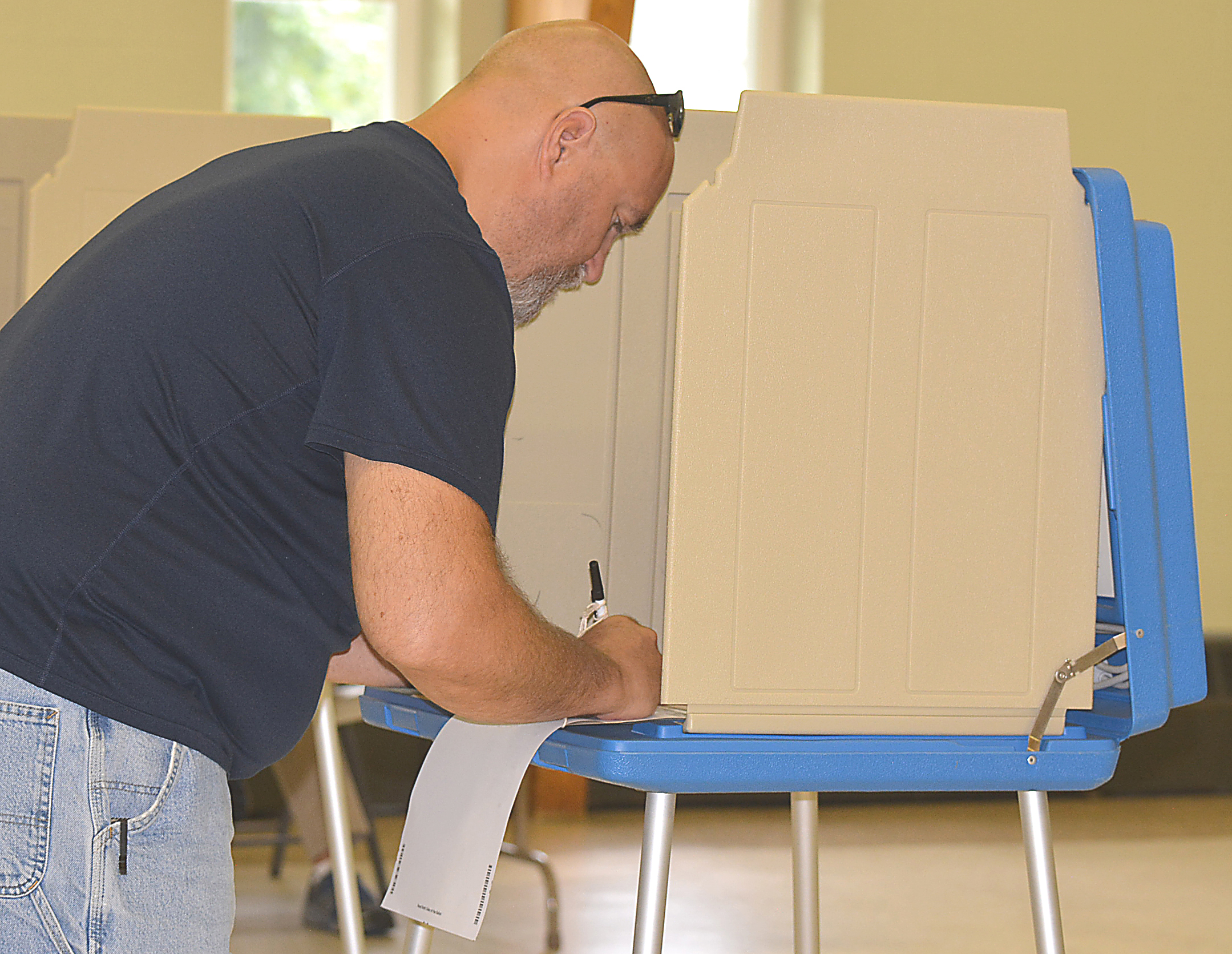 www.oxfordleader.com to learn which candidates won the right to appear on the November ballot and which local millage proposals passed or failed. Photo by C.J. Carnacchio.