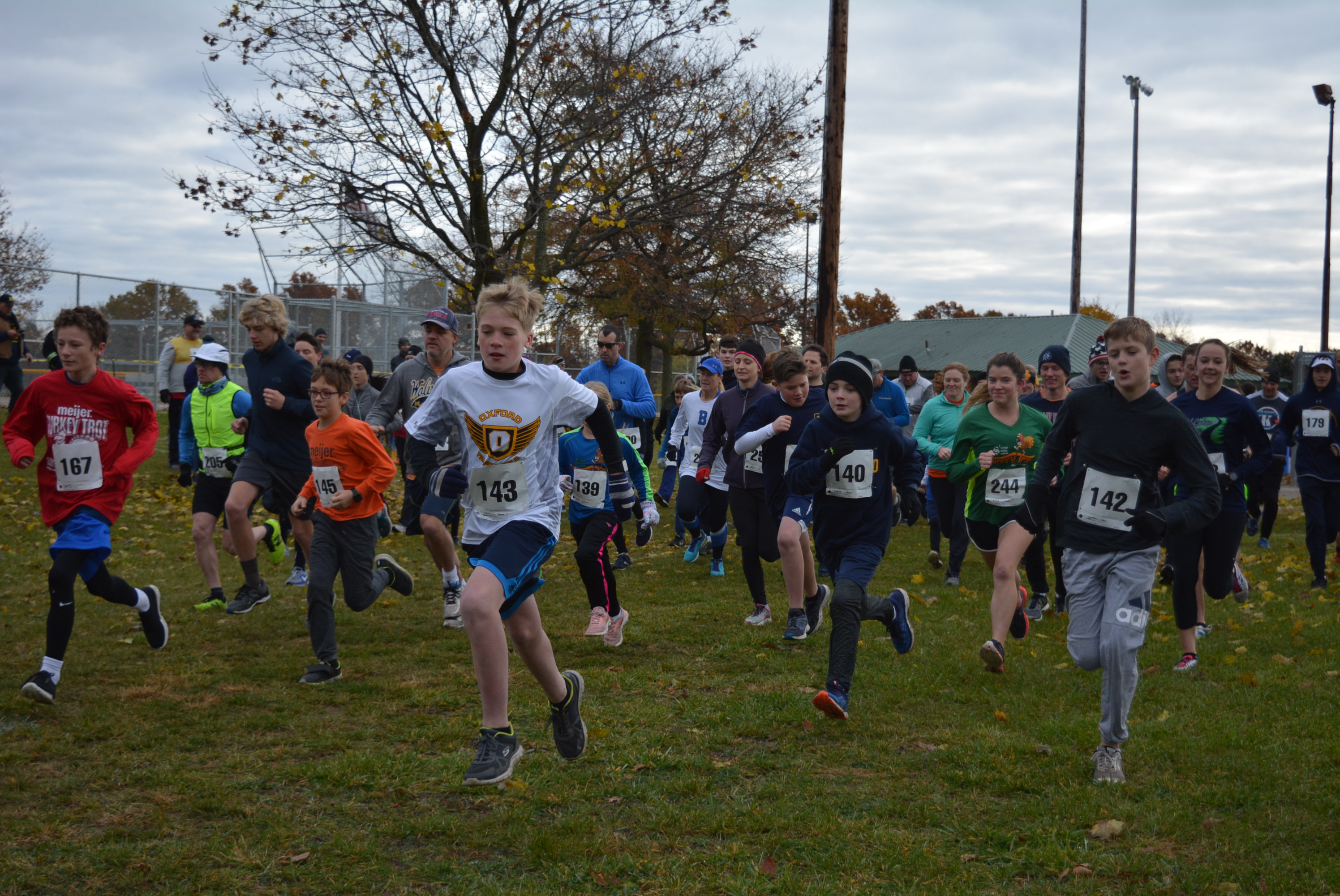 The Turkey Trotters take off from the starting line. Photo by C.J. Carnacchio.