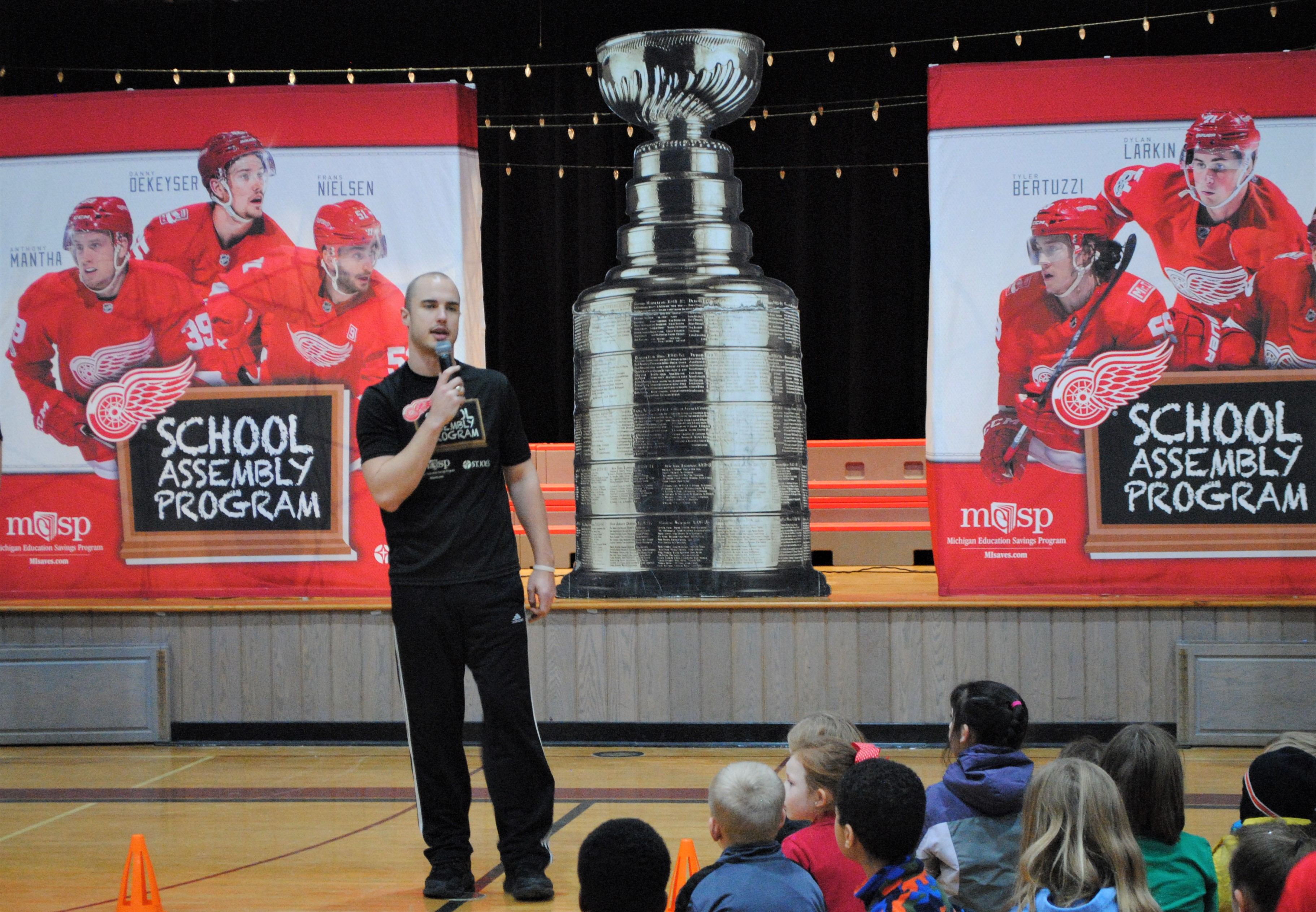 Coach Ryan from the Detroit Red Wings organization spoke with Kingsbury students about health and dedication to school. Photo by Shelby Tankersley.