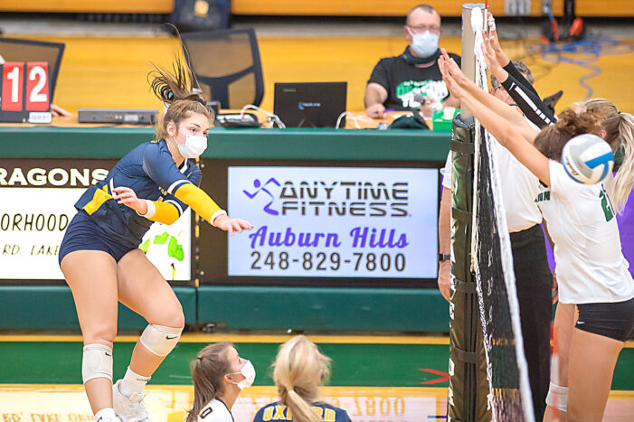 Oxford volleyball caps strong week with victory over LO