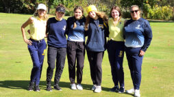 Golfers finish 3rd in division