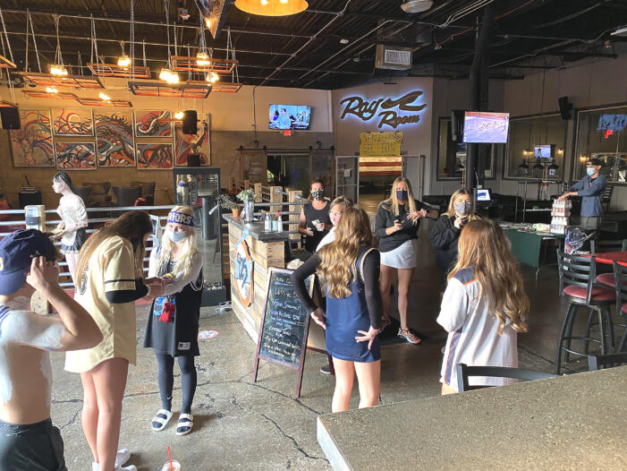 925 Social opens doors to OHS students on Friday nights