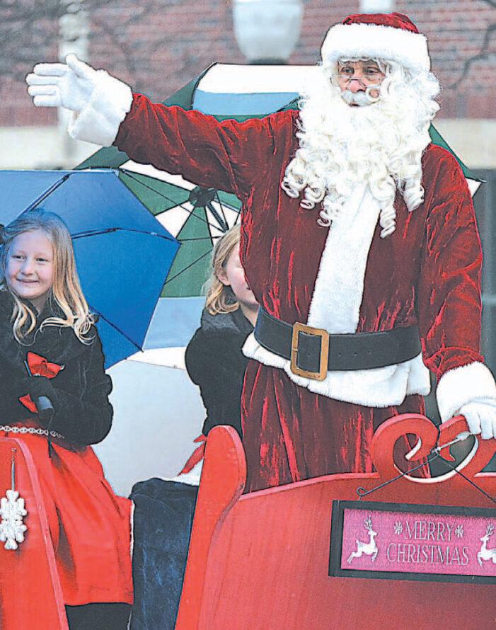 No parade, Oxford still promoting Christmas spirit