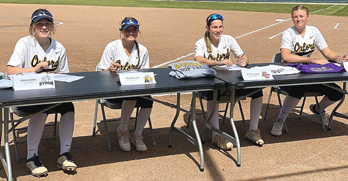 Softball 'Cats remains unbeaten in league play
