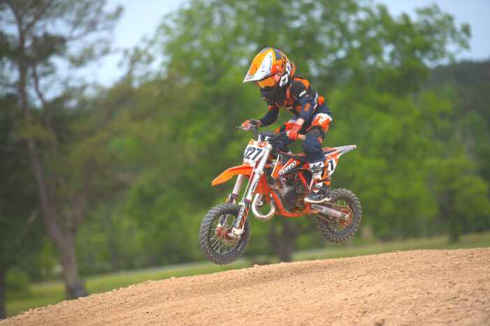 Oxford family qualifies for national amateur motocross championships