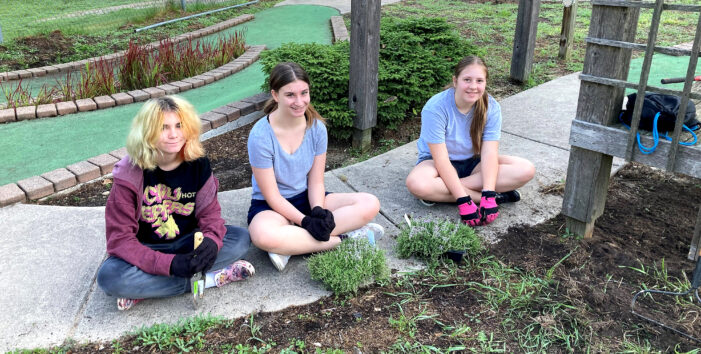 Oxford Girl Scouts beautify mini golf at county park
